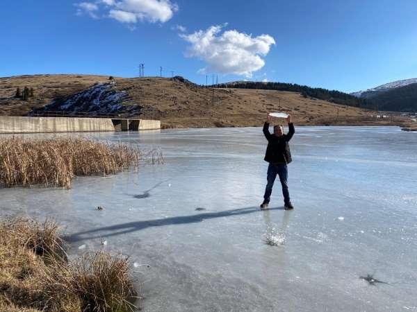 Ordu'da gölet buz tuttu