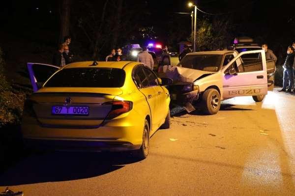 Zonguldak'ta yeni yılın ilk kazası: 2 yaralı