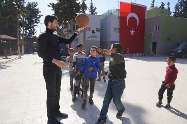 Balalar Üşümesin diye toplanan yardımlar Türkmenlere ulaştırıldı