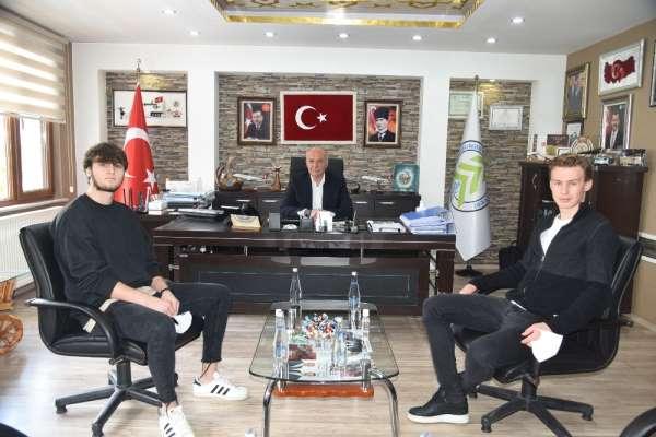 Dursunbey Belediyespor altyapısı yıldız futbolcu yetiştirmeye devam ediyor