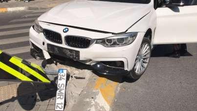 Esenyurt'ta polisten kaçan zehir tacirleri kaza yapınca yakalandı