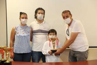 İzmit Belediyesporlu sporcular Sakarya'dan derece ile döndü