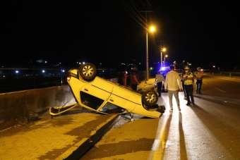 Kazadan burnu bile kanamadan kurtuldu, otomobili için gözyaşlarına boğuldu
