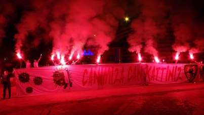 Samsunspor'un 55 kuruluş yıl dönümünde taraftarlardan sağlıkçılara destek