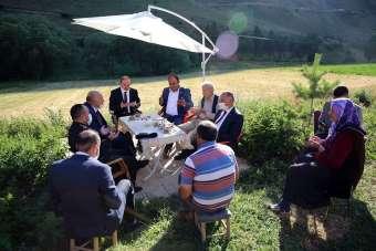 Vali Cüneyt Epcim, şehit aileleri ve 15 Temmuz gazisini ziyaret etti