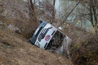 Hentbol takımını taşıyan minibüs kaza yaptı: 2 ölü, 15 yaralı