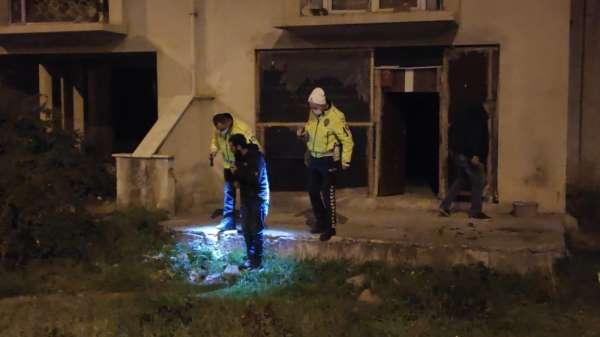 Bursada krizi geçiren genç metruk evde intihara kalkıştı
