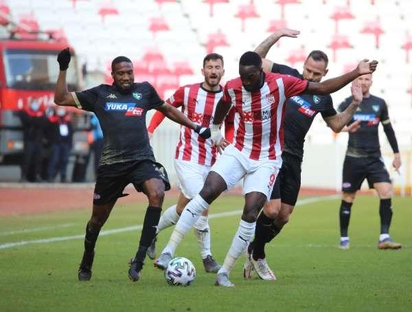 Süper Lig: DG Sivasspor: 2 - Y. Denizlispor: 1 (İlk yarı)