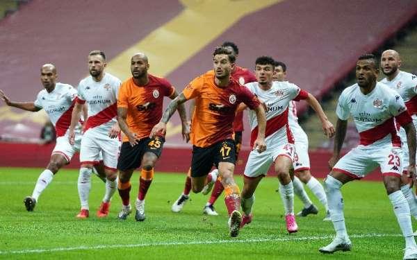 Süper Lig: Galatasaray: 0 - Antalyaspor: 0 (İlk yarı)