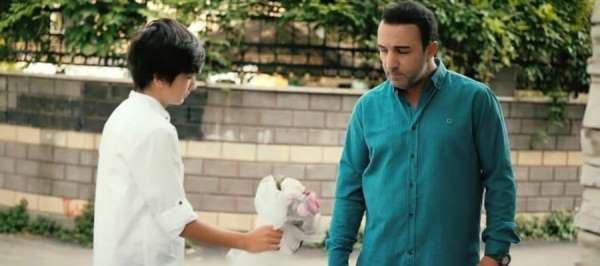 Yusuf Karul oğluyla birlikte kameraların karşısına geçti