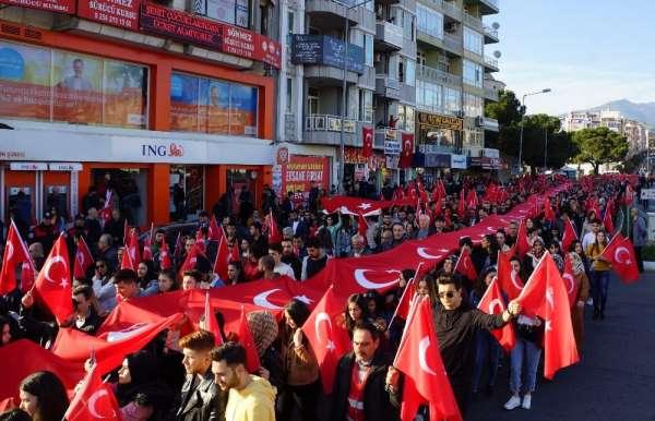 Aydın'da binlerce kişi şehitler için yürüdü