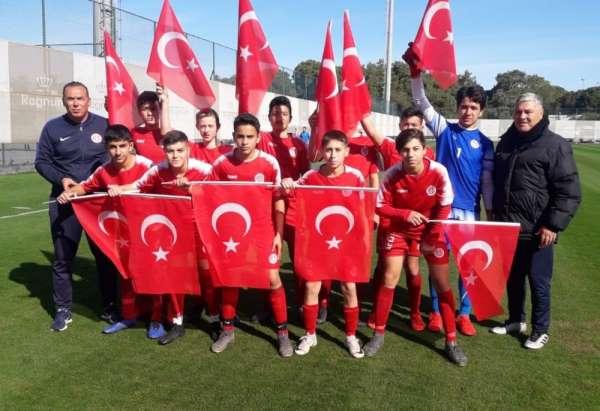 Fraport TAV Antalyasporun altyapından Mehmetçiğe selam