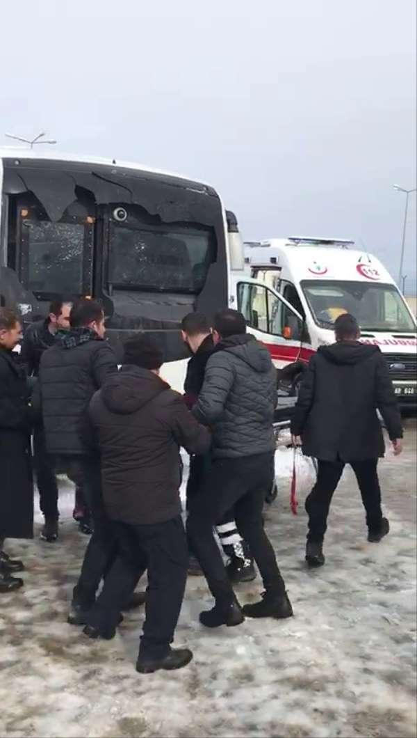 İşte saldırıya uğrayan servis otobüsü