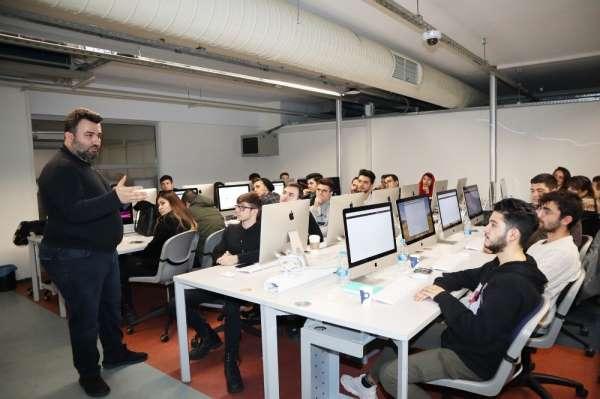 İzmir Ekonomili öğrencilere 'Yazılım ve Tasarım Kampı'