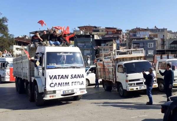 İzmir'de şehitlere saygı konvoyu