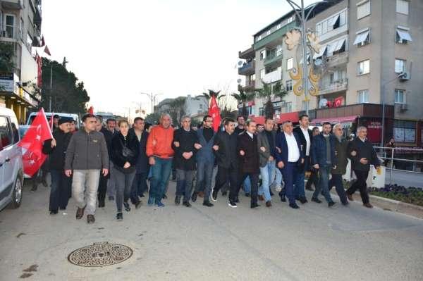 Kemalpaşa'da şehitlere saygı yürüyüşü