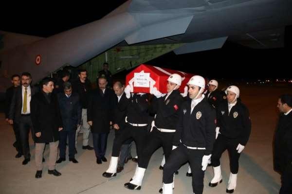 Şehit gümrük memuru Türk'ün cenazesi Şanlıurfa'ya getirildi