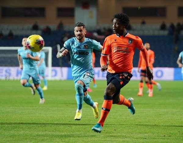 Süper Lig: Medipol Başakşehir: 0 - Gaziantep FK: 0 (İlk yarı)