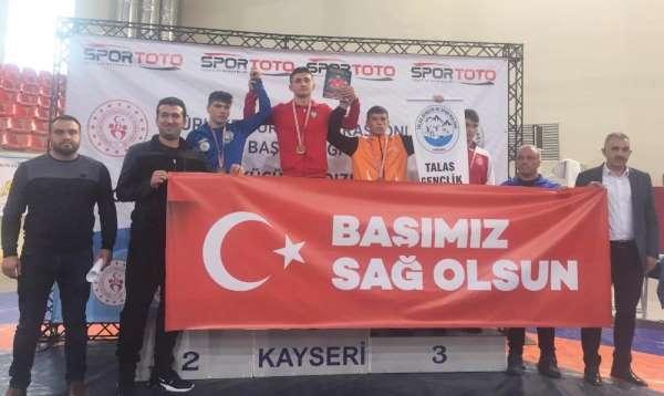 Türkiye Güreş Şampiyonası'nda hem 1.'lik hem 3.'lük Kayseri Şekerspor'dan