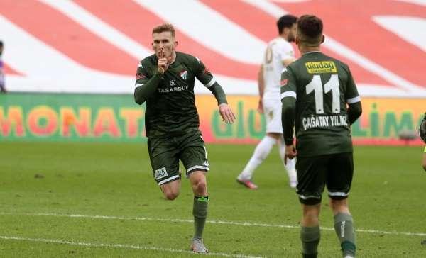 Burak Kapacak, Bursasporun 10 golüne doğrudan etki yaptı
