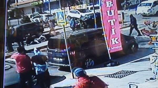 (Özel)- Ataşehirde sipariş yetiştirmek isteyen motokurye, genç kadını canından ediyordu