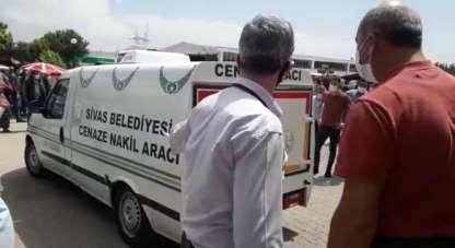 Cenaze nakil aracının şoförü kazada öldü