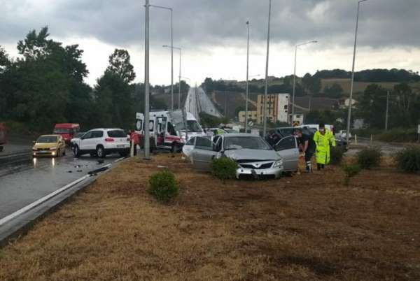 Samsunda kavşakta kaza: 10 yaralı