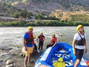 Çukurca Belediye Başkanı Dündar rafting yaptı