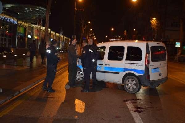 Malatya'da gasp etmek istedikleri şahsı bıçakla yaraladılar