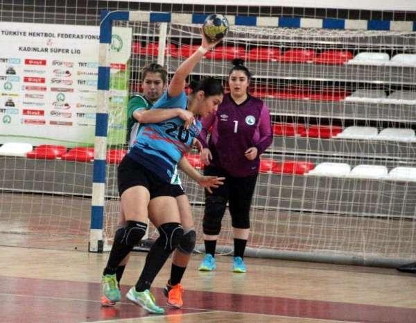 Kadınlar Hentbol Süper Ligi: Sivas Belediyespor: 24 - Konyaaltı Belediye: 31