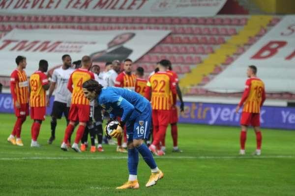 Süper Lig: Kayserispor: 0 - Beşiktaş: 0 (Maç devam ediyor)