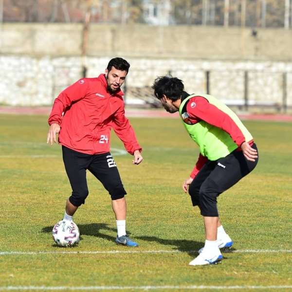 Uşaksporda Niğde FK maçı hazırlıkları devam ediyor