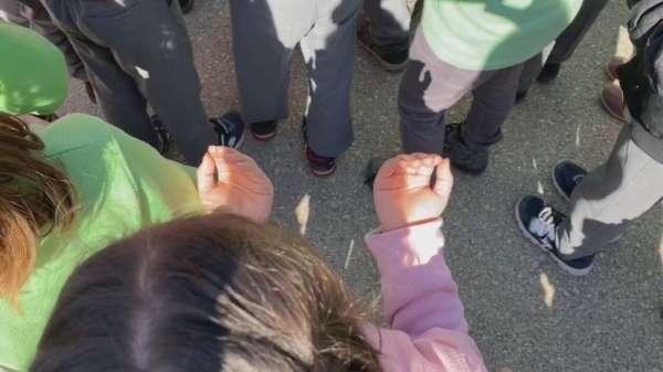 Minik eller Mehmetçik için semaya açıldı