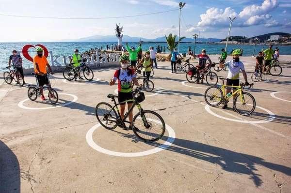 Kuşadası'nda Dünya Bisiklet Günü etkinliği