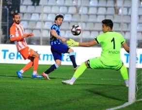 Adana Demirspor ile Adanaspor 62. randevuda