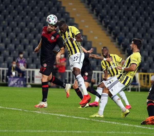 Süper Lig: Fenerbahçe: 1 - Fatih Karagümrük: 0 (İlk yarı)