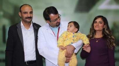 170 günlük yaşam mücadelesini Umut bebek kazandı