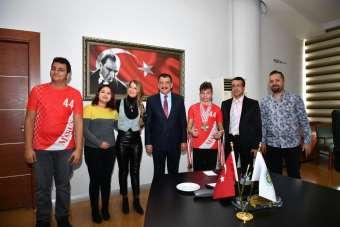 Engelli sporculardan Başkan Gürkan'a ziyaret