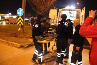 Sürücülerin kaçtığı 2 ayrı kazada 3 kişi yaralandı