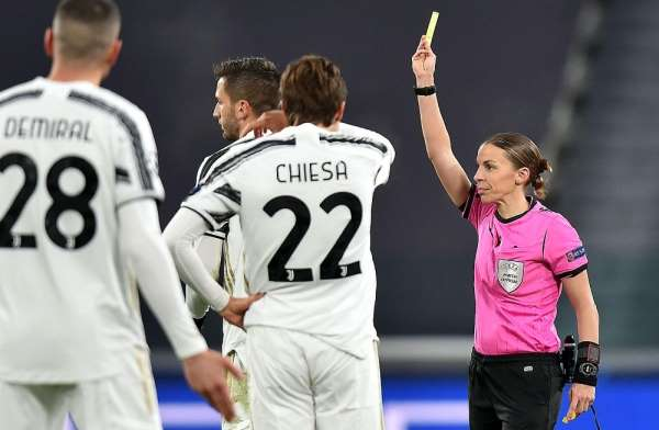 Stephanie Frappart, UEFA Şampiyonlar Ligi'nde tarihe geçti