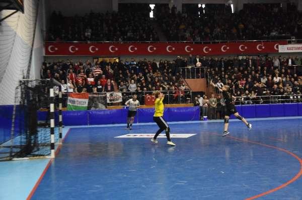 EHF Kupası: Kastamonu Belediyespor: 30 - Schaeffler: 31