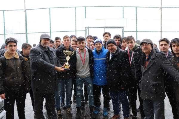 Okullar arası genç futbol il birinciliği müsabakaları sona erdi