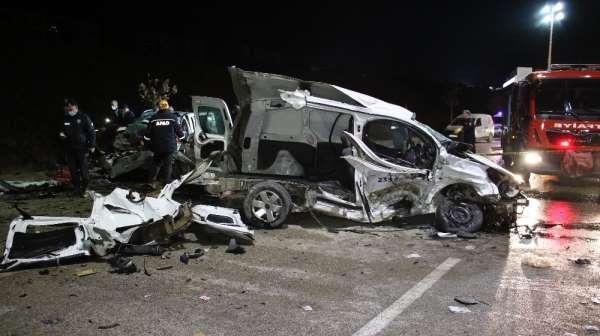 Elazığda feci kaza: 2 ölü, 3ü ağır 5 yaralı