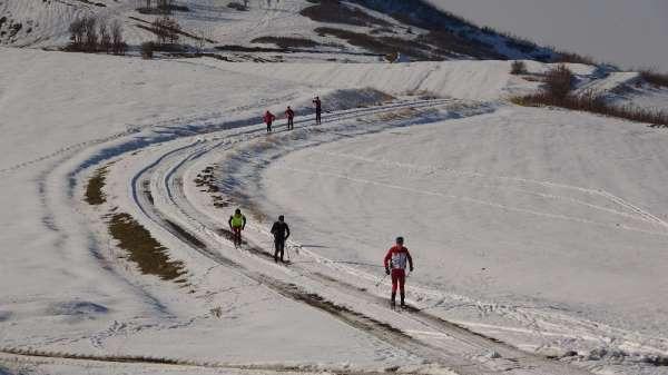 (Özel haber) Kayakçılar yarışlara yüksek kesimlerde hazırlanıyor