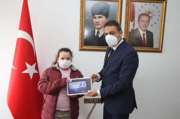 Sinop'ta 900 tablet dağıtılıyor