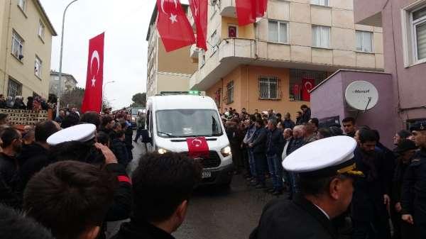 İdlib'de şehit olan uzman çavuşun cenazesi Tuzla'daki evine getirildi