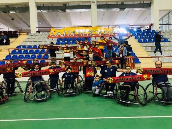Taraftarlar Derneğinden Tekerlekli Sandalye Basketbol takımına destek