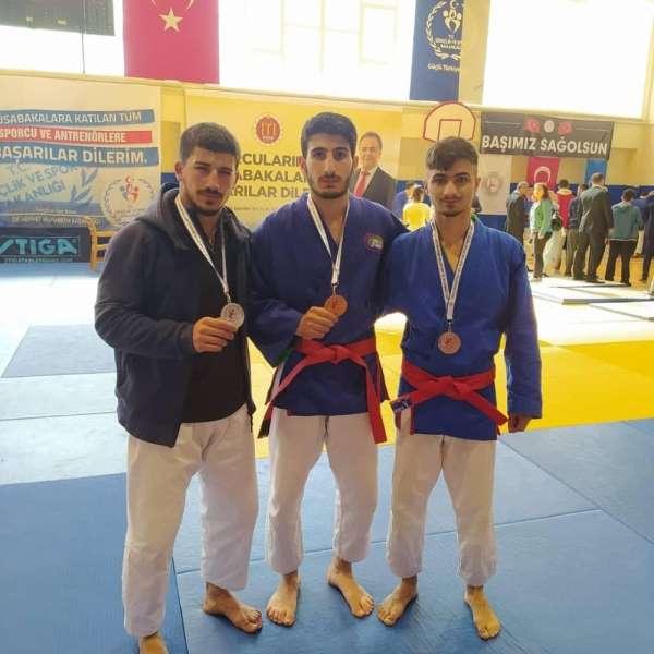 Diyarbakırlı sporculardan 3 madalya birden