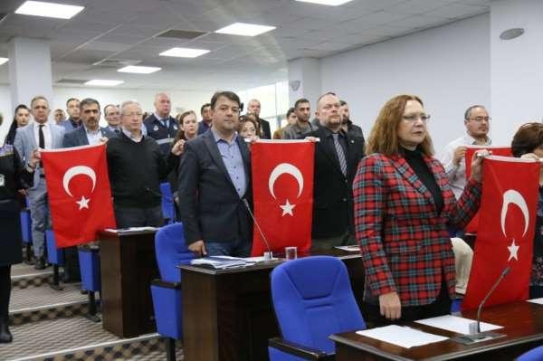 Edremit Belediye Meclisi'nde şehitler anıldı