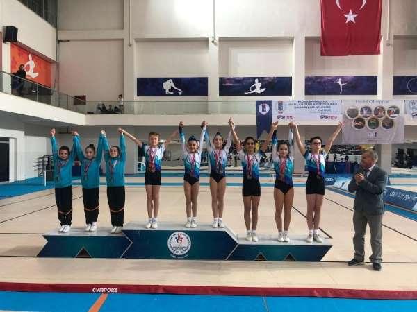 Milli takımın yarısı Manisalı cimnastikçilerden